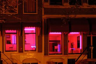 Reacția prostituatelor la vestea că activitatea din Cartierul Roșu s-ar putea închide