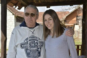 Mărturisirea unei tinere despre relațiile sexuale cu iubitul său de 74 de ani