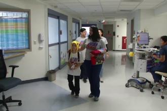 Motivul emoționant pentru care întreg personalul unui spital poartă același tricou