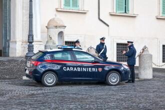 Pățania a trei români care să dădeau drept carabinieri în Italia