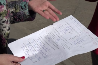 """Acuzații grave pentru o profesoară din Focșani. """"Și-a ieșit din fire, mi-a lovit copilul"""""""