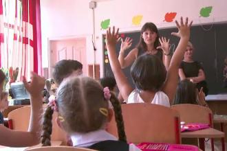 Cum se acordă zile libere pentru părinți când școlile sunt închise. Modul de plată