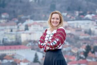 """Elena Lasconi i-a dat afară pe şefii Poliţiei Locale şi pieţei centrale din Câmpulung. """"Nu mai merge așa"""""""