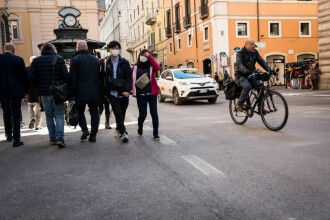 Românii din Italia, nemulțumiți că ar putea fi împiedicați să vină acasă de Paște