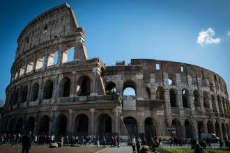 Italia se închide. Evenimentele sociale anulate, meciuri fără spectatori, școli închise