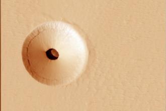 Gaură misterioasă, descoperită pe Marte. De ce se presupune că ar ascunde forme de viaţă