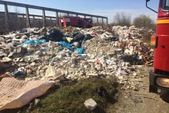 Primele mașini confiscate pentru gunoaiele aruncate pe terenuri virane, în București. Doi primari își arogă fiecare meritul