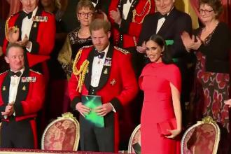 Harry și Meghan, primiți cu ovații la Londra. Când se vor distanța oficial de Casa Regală