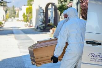 America, în luptă cu coronavirusul: înmormântările se mută online