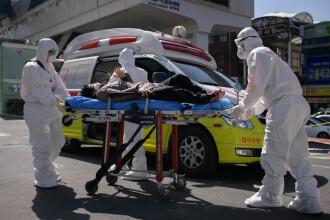 Medicii francezi avertizează asupra unui nou simptom asociat coronavirusului