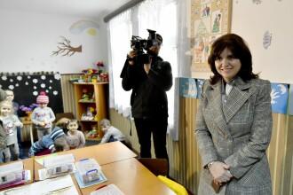 Moţiune împotriva ministrului Anisie. Parlamentarii s-au acuzat reciproc de eșecul educației