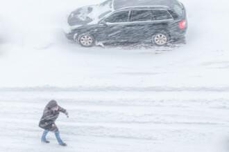 ANM a emis o informare de ninsori, intensificări ale vântului şi polei în întreaga ţară