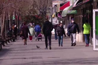Mii de români încalcă restricțiile de circulație. De la pești plimbați în pungă la vizite la bunica moartă de 10 ani
