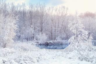 Vreme schimbătoare în țară. În ce zone vor reveni ninsorile