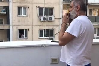 """Interviu cu Damian Drăghici: """"Muzica ne ajută pe toți"""". Artistul a împlinit 50 de ani"""