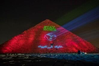Marea Piramidă din Giza, iluminată cu mesaje dedicate luptei împotriva coronavirus
