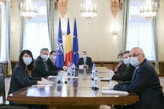 """Președintele Iohannis face un apel către medici: """"Voi sunteți linia de apărare"""""""
