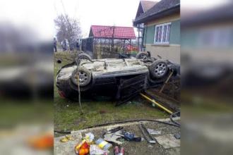 Accident tragic pe DN13. Un bebeluş a murit după ce a căzut din maşină în urma impactului
