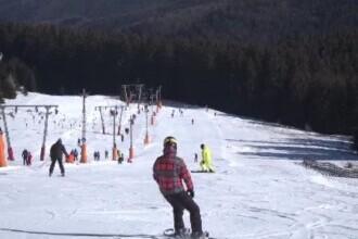 Sezonul de ski continuă la Păltiniș, unde în plină primăvară e cea mai bună zăpadă pentru începători