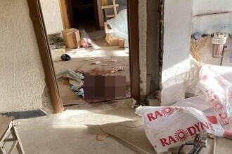 """FOTO. Primele imagini din """"apartamentul groazei"""", unde s-au comis crimele din Onești"""