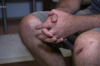 Polițiști acuzați de tortură. Ar fi chinuit 2 bărbaţi pentru că i-au apostrofat că nu au mască