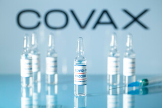 Primul lot de vaccinuri anti-COVID-19 livrate prin platforma COVAX a ajuns în Republica Moldova