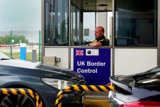 Marea Britanie îi va amenda pe cei care încearcă să iasă din ţară fără justificare