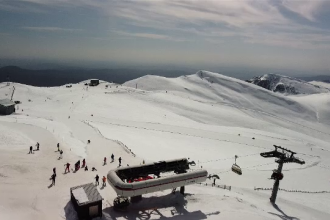 Sinaia, perfectă pentru sporturile de iarnă şi în această perioadă. Sezonul s-ar putea închide la 1 mai