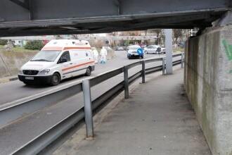 O ambulanţă a rămas înțepenită într-un pasaj din Râmnicu Vâlcea. De ce a fost amendat șoferul