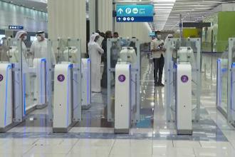 Check-in în mai puțin de 10 secunde pe aeroportul din Dubai. Cum funcționează sistemul care reduce cozile