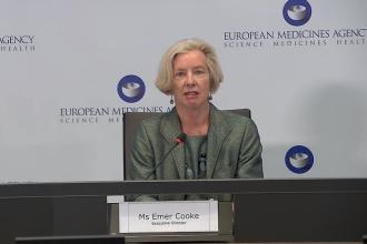 """Agenția Europeană a Medicamentului nu oprește vaccinarea cu AstraZeneca: """"Vaccinul este eficient și sigur"""""""