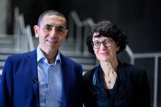 Fondatorii companiei farmaceutice BioNTech au fost decorați cu Ordinul de Merit în Germania