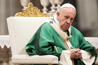 Austeritate la Vatican. Papa Francisc va tăia salariile cardinalilor și clericilor