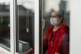 """Capitala ar putea să reintre în carantină din cauza ratei de infectare. Voiculescu: """"Nicio măsură nu poate fi eliminată"""""""