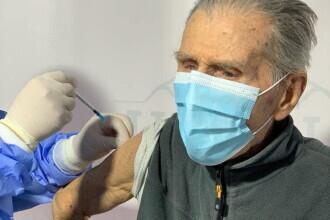 Un veteran din Al Doilea Război Mondial, în vârstă de 99 de ani, s-a vaccinat anti Covid-19