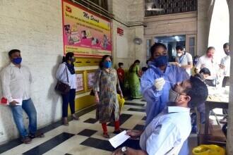 """India a detectat o nouă """"variantă dublu mutantă"""" de coronavirus"""
