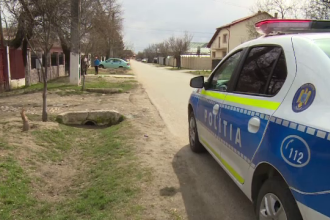 Un tânăr din Dâmbovița a fugit de poliție și s-a răsturnat în șanț cu peste 180 km/h. Ce a urmat