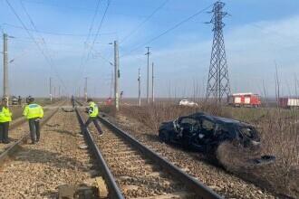 Un angajat al ISU Vrancea a murit, iar fiica sa a fost rănită, după ce maşina în care se aflau a fost lovită de un tren