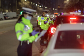 """Noile restricții au intrat în vigoare în Capitală. Polițiștii și jandarmii au ieșit pe străzi pentru controale: """"N-am știut"""""""