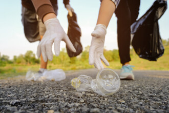 """Comunitățile din zona Țării Făgărașului sunt provocate pentru a participa la campania de curățenie """"Mănușa de Aur"""""""