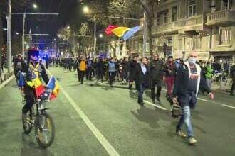 Noi proteste în Bucureşti şi alte oraşe. Aproape 180 de manifestanţi au ajuns la poliţie