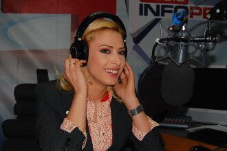 Iulia Vantur se face Dj la Radio InfoPro!