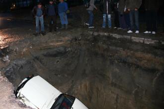 Suntem campioni in Est la analizat cratere. Ca de asfaltat....