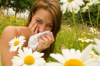 Sensibilitatea la lumina este un simptom care poate trada prezenta unei alergii oculare. Recomandarile medicilor