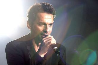 Dave Gahan, solistul trupei Depeche Mode, spitalizat de urgenta!