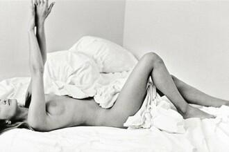 Carla Bruni se dezbraca de secrete!
