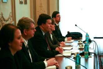 FMI: Salariile bugetarilor trebuie sa ramana reduse si in 2011
