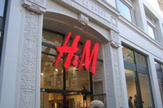 H&M recruteaza personal. Vezi pe ce pozitii poti sa te angajezi!