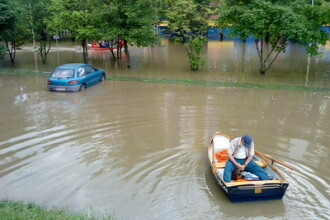 Europa se lupta cu inundatiile. Ungaria si Polonia au mii de sinistrati