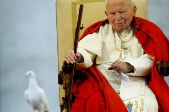 O fiola cu sangele fostului papa Ioan Paul al II-lea a fost furata in Italia